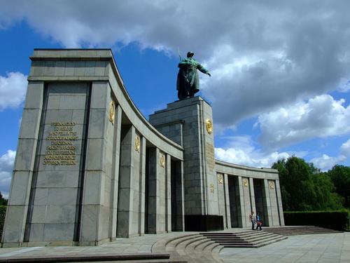 Berlin-soviet-war-memorial