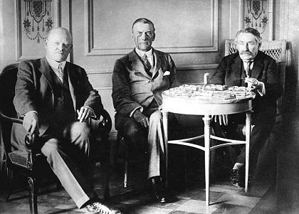Gustav_Stresemann,_Chamberlain,_Briand