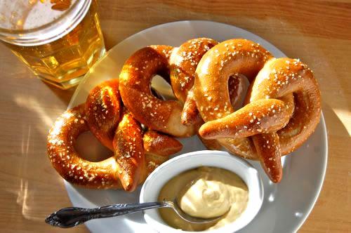 pretzels-sauce