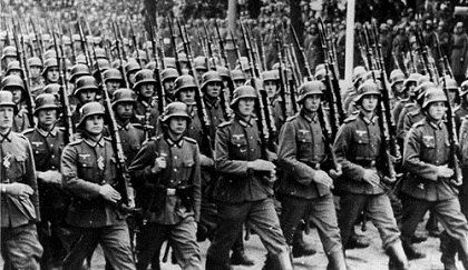 german-soldiers-marching-world_war_2