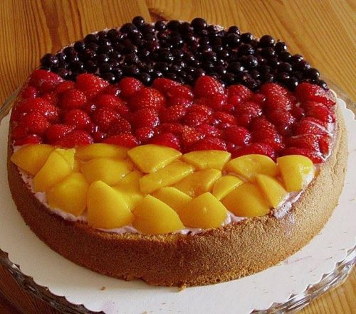 Summer Is Not Very Rich In Holidays But You Can Make Yourself One With Obsttorte German Fruit Cake Here How To Cook It