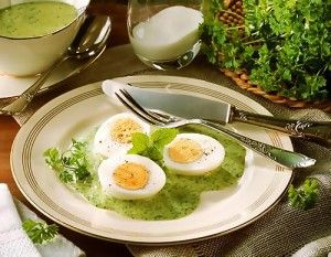 Eggs in Frankfurter Green Sauce