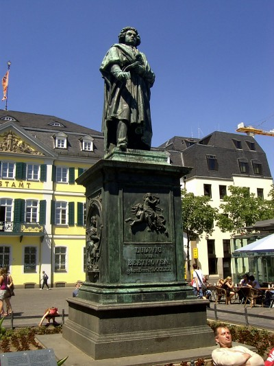 beethoven-monument-on-the-munsterplatz-in-bonn-germany