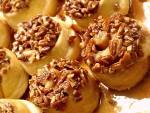 Schnecken (Sticky German Cinnamon Buns)